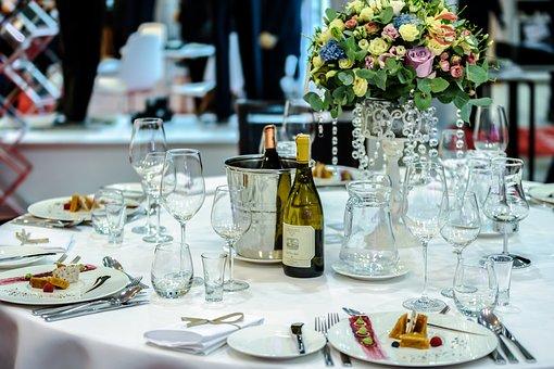 Restaurants seniors, réservés aux plus de 60 ans